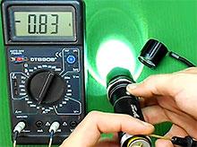 Сколько будет светить светодиодный фонарик. Измеряем ток, вычисляем время.